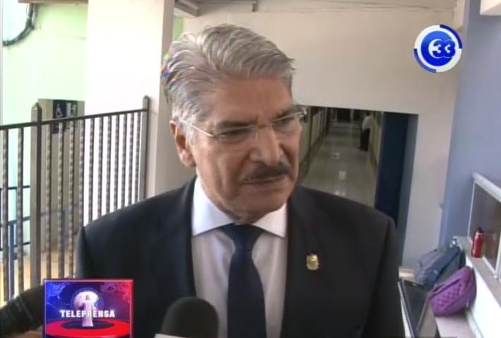 Presidente de la asamblea lleva denuncia a la FGR