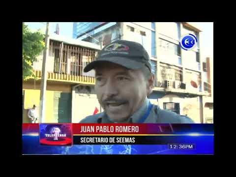 Sindicalistas protestan frente a alcaldía de San Salvador