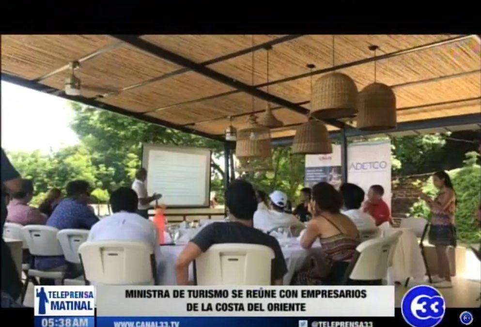 Ministra de Turismo se reúne con empresarios de la costa del oriente